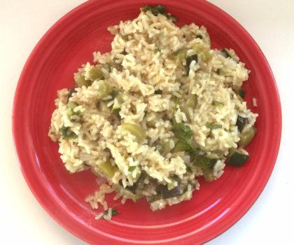 Καστανό ρύζι με πιπεριές και κολοκύθι