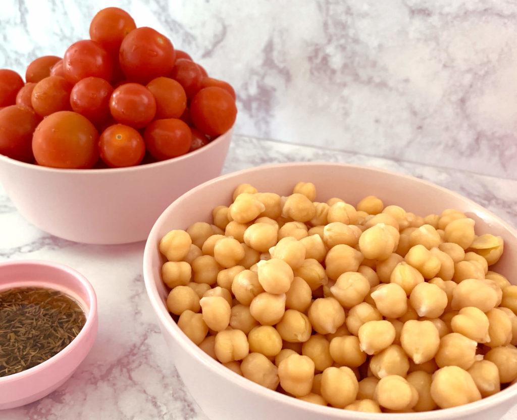 Ρεβίθια με ντοματίνια στο φούρνο