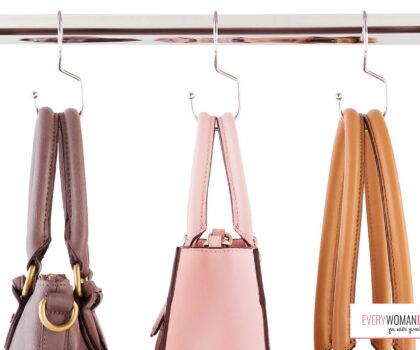 3 τρόποι να αποθηκεύεις τις τσάντες σου