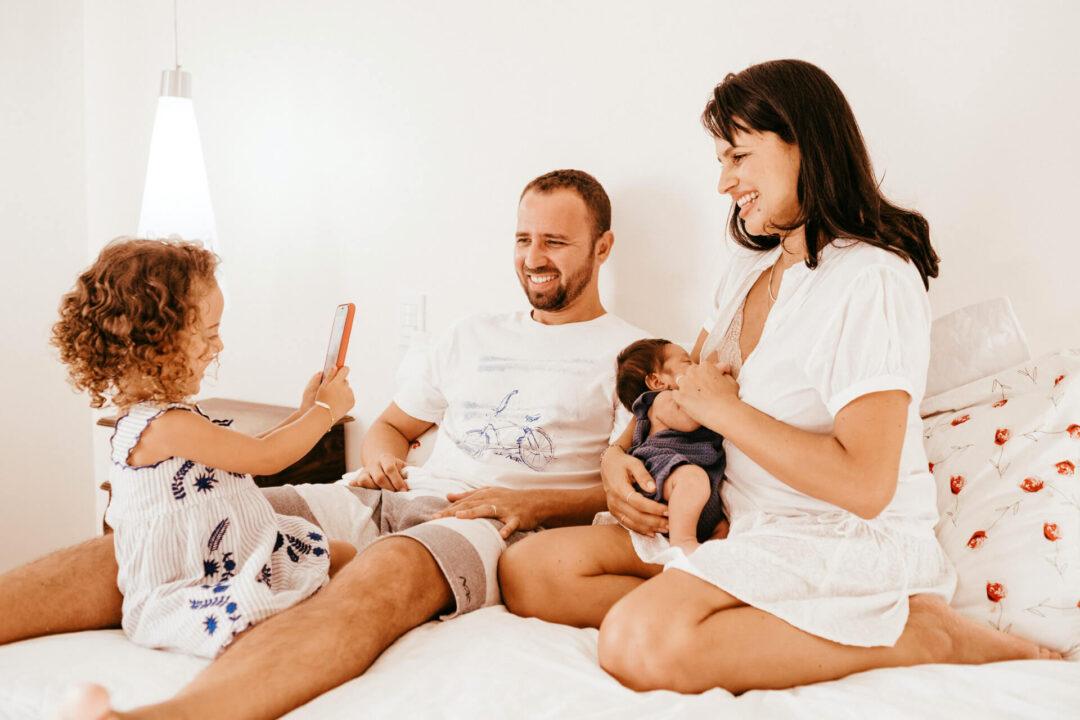 Χρόνος με την οικογένεια: Μιλάμε και παίζουμε μαζί